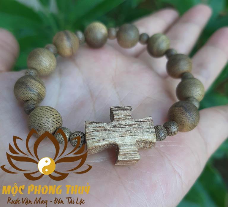 vòng đeo tay mân côi gỗ trầm hương